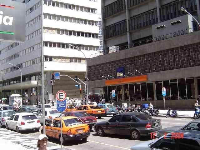 http://mrm.mendes.nom.br/2006-001-curitiba-10.jpg